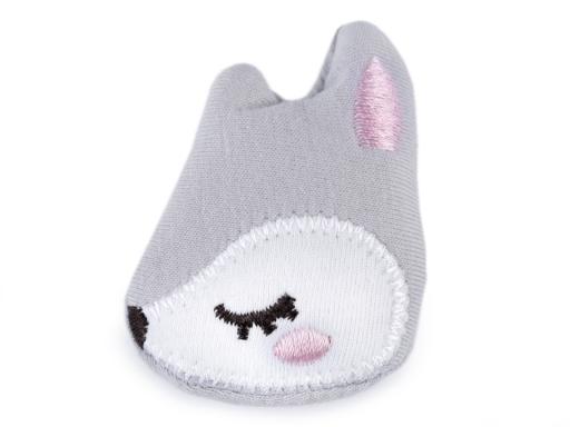 Textilná aplikácia s píšťalkou mačka / hviezda / srnka biela 1ks