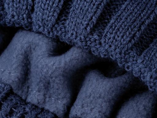 Pánska zimná čiapka modrá tm. 1ks