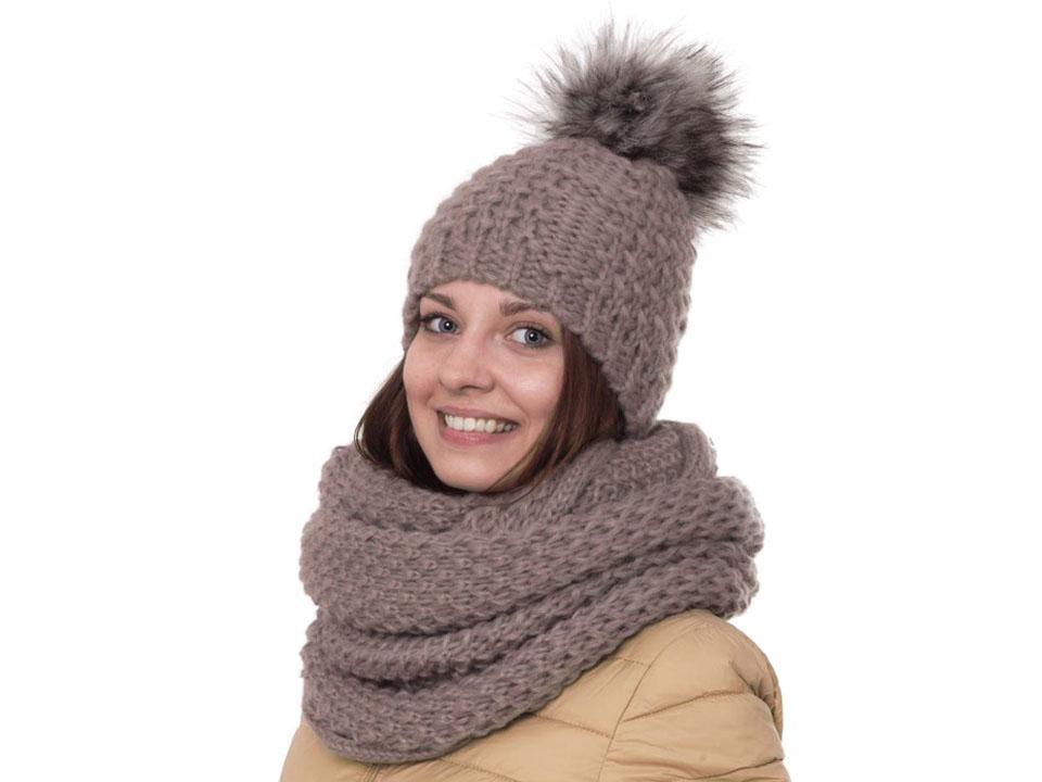 e6d12395c Dámska zimná čiapka s brmbolcom | STOKLASA textilní galanterie